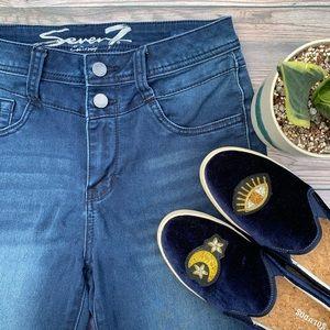 EUC Seven7 Jeans High Rise Legging